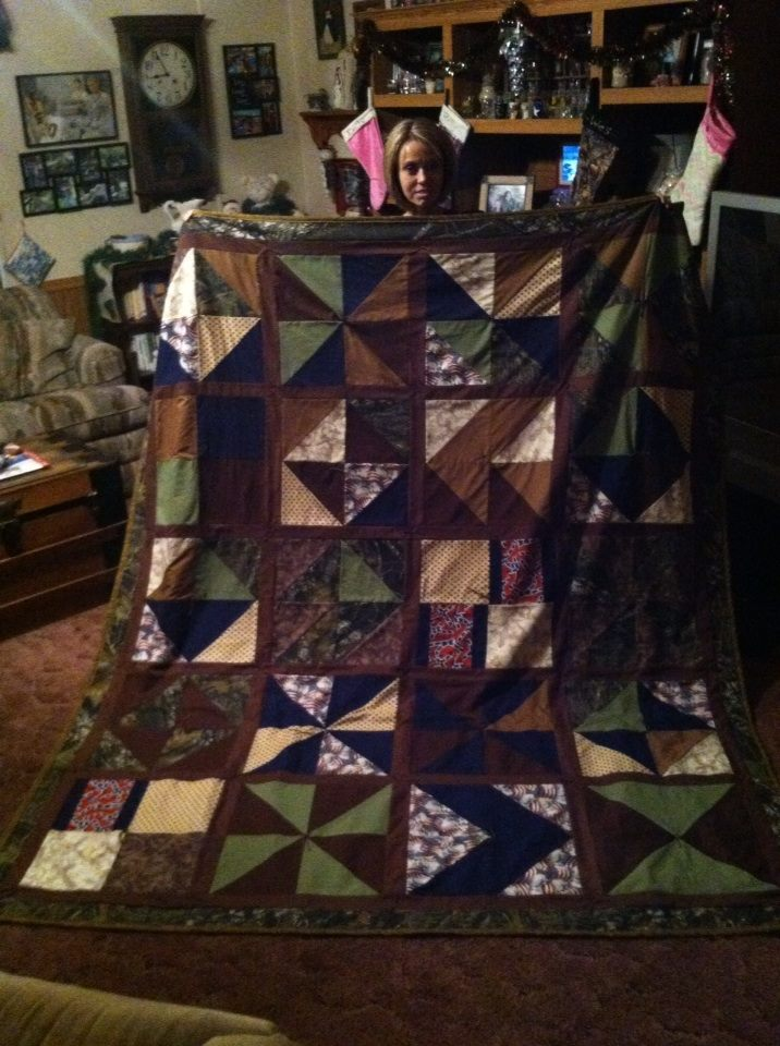 Quilt 15 Wess Christmas Present Quilt Patchwork The Running Doe